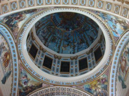 28 de Março - Cúpula da Igreja Principal da Administração Apostólica de Campos, construída em estilo neoclássico, desde os anos 1990.