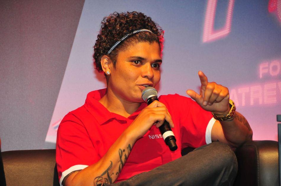 4-de-novembro-adriana-araujo-pugilista-brasileira